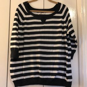 Old Navy XXL gray and white stripe sweater